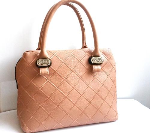 b75d54362590 Как избавиться от запаха сумки снаружи и внутри