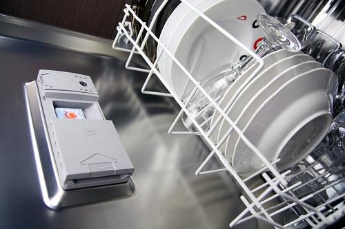 Чистая посудомоечная машина
