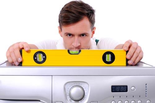 Проверка уровнем устойчивости стиральной машины