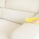 Влажная чистка кожаного дивана