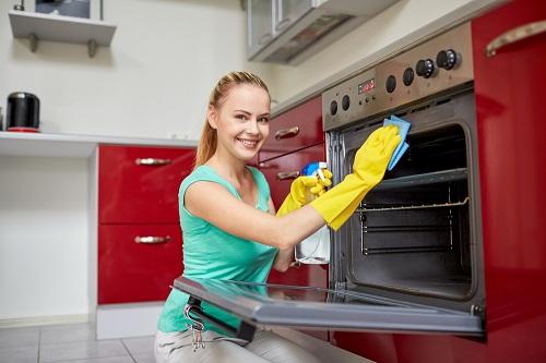 Протирание духовки начисто