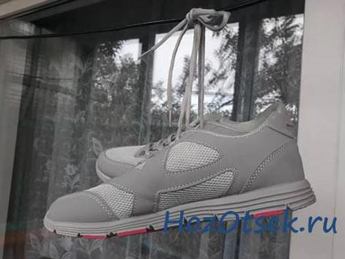 Сушка кроссовок на балконе